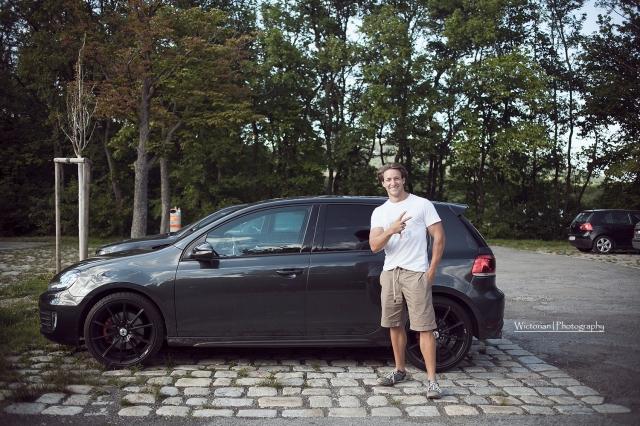Martin and his cute car <3